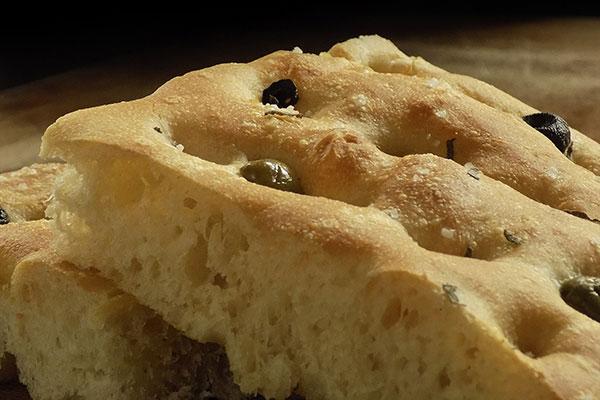 pan aceitunas alimentos andalucia